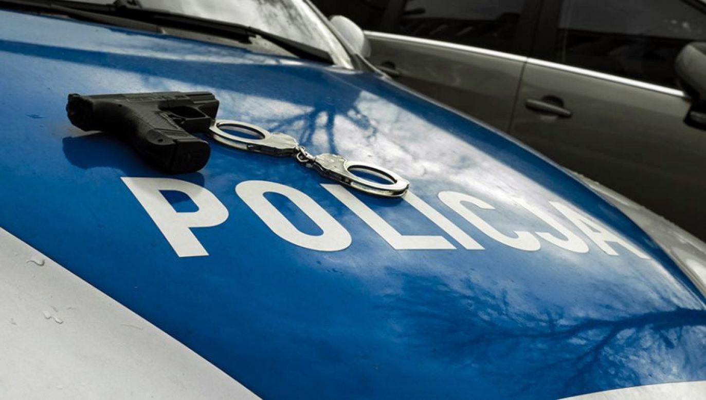 Policja zatrzymała dwóch mężczyzn, dwóch kolejnych poszukuje (fot. tvp.info/Paweł Chrabąszcz)