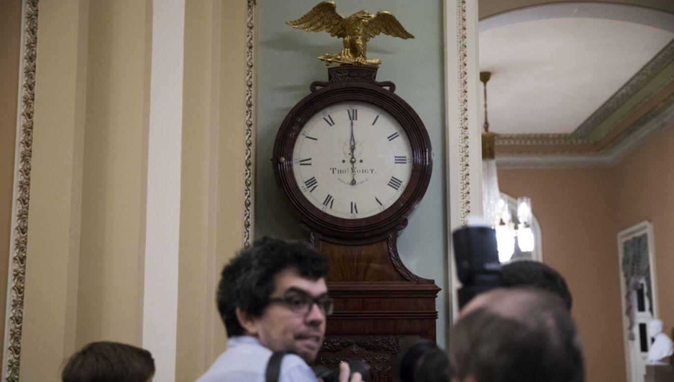 O północy w USA  nastąpiło zawieszenie (shutdown) działalności rządu federalnegow rezultacie nieuchwalenia przez Senat prowizorium budżetowego (fot. PAP/EPA/SHAWN THEW)