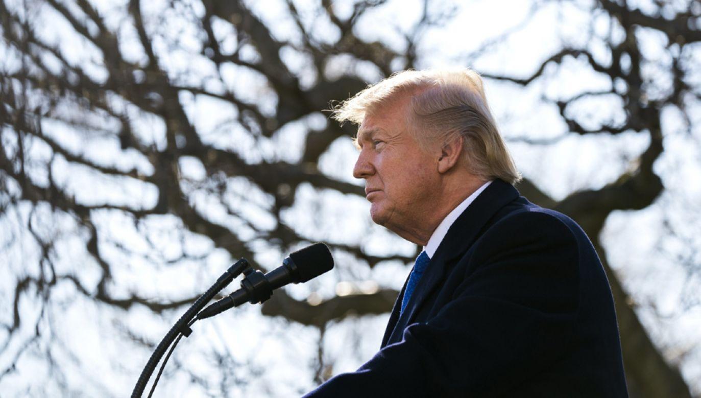 Prezydent Donald Trump wygłosił  przemówienie w Ogrodzie Różanym Białego Domu (fot.  PAP/EPA/JIM LO SCALZO)