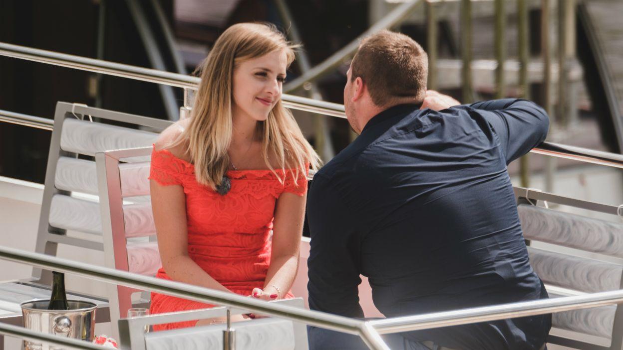 Jako ostatnią na randkę zaprosił Dorotę. Para odbyła romantyczny rejs, podczas którego padło wiele ważnych słów (fot. TVP)