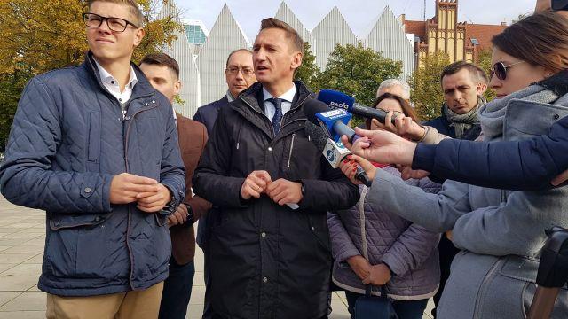 Po publikacjach portalu TVP.Info i TVP3 Szczecin. Miejscowy rzecznik PO dopytuje: – Macie jeszcze jakieś taśmy?