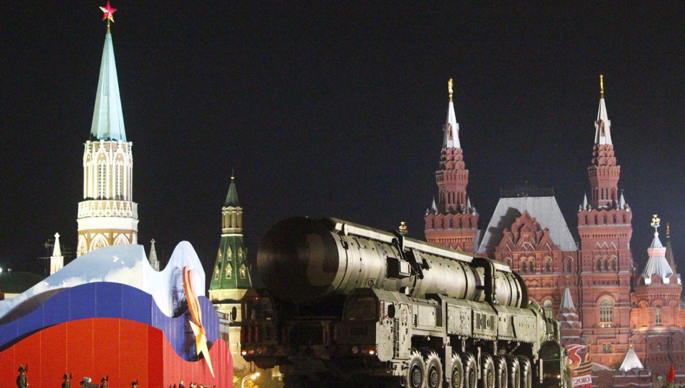 Plac Czerwony na dzień przed paradą zwycięstwa, 2010 roku Moskwa (fot. REUTERS/Mikhail Voskresensky)