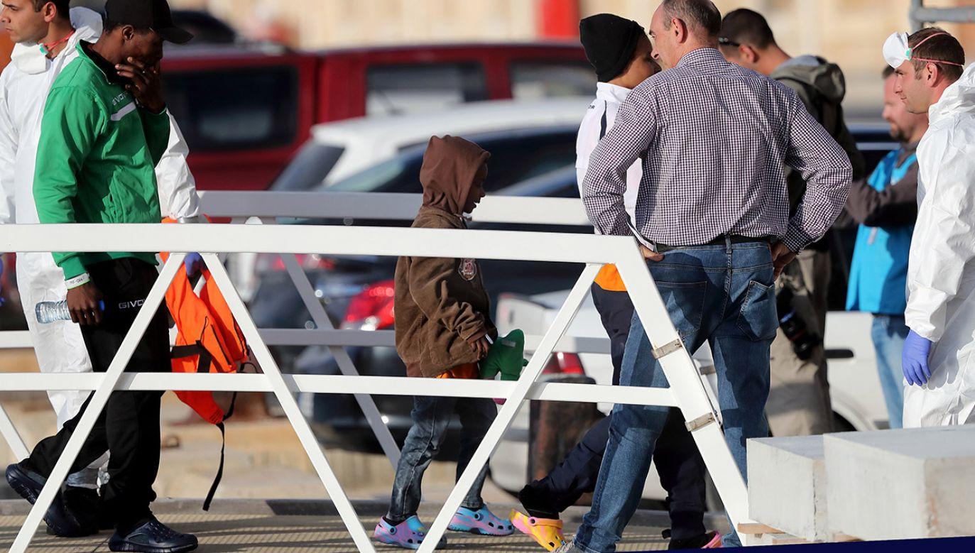 Obywatele Maroka są najliczniejszą grupą wśród cudzoziemców rezydujących w Hiszpanii (fot. PAP/EPA/DOMENIC AQUILINA, zdjęcie ilustracyjne)
