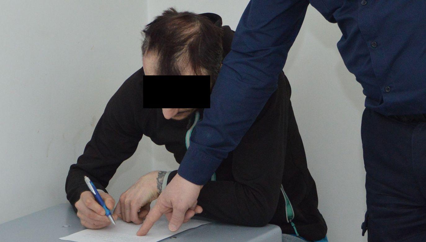 Przebierańcowi grozi do ośmiu lat więzenia (fot. KPP w Tomaszowie Lubelskim)
