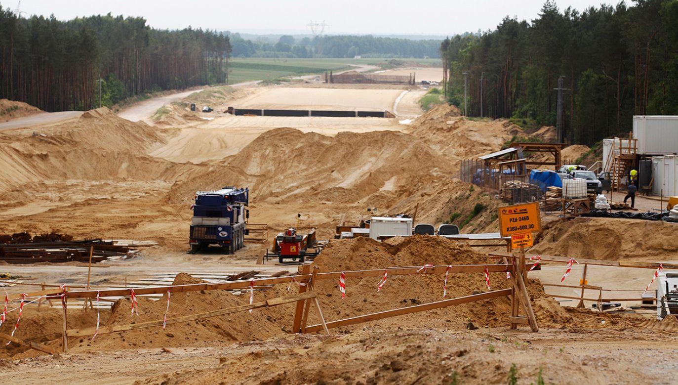 GDDKiA realizując inwestycje drogowe nie zabezpieczyła interesu Skarbu Państwa (fot. REUTERS/Peter Andrews)