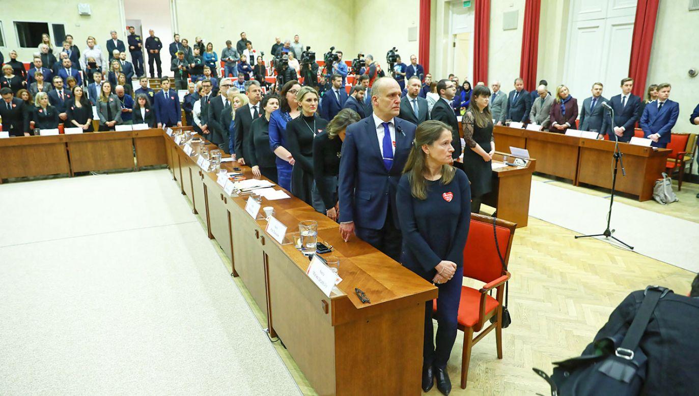 Nadzwyczajna sesja Rady Warszawy (fot. PAP/Rafał Guz)