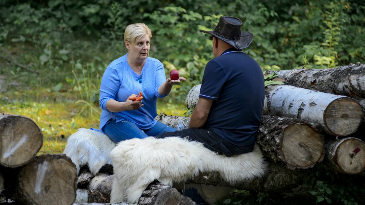 – Masz czym oddychać, masz na czym siedzieć – kokietował Jan, a Eli podobały się zaloty mężczyzny (fot. TVP)