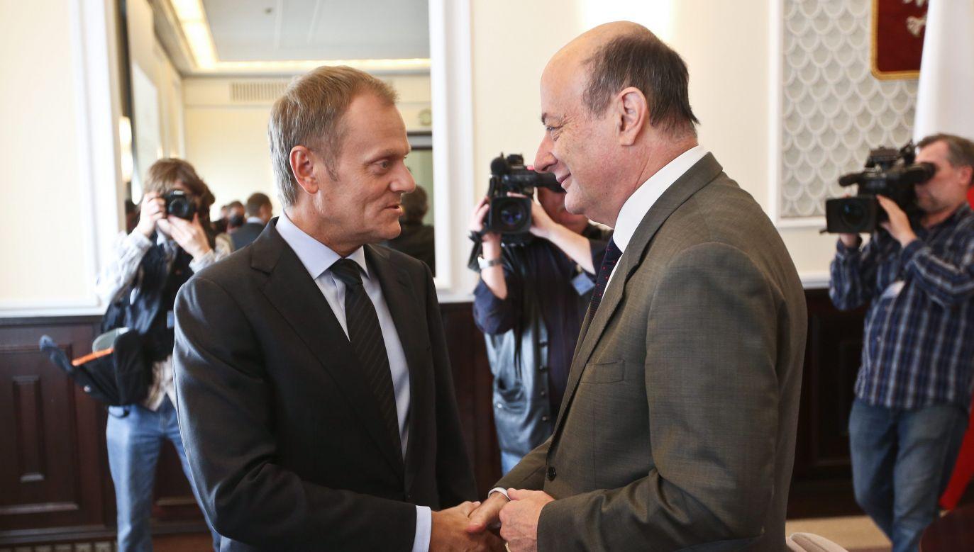 Donald Tusk i Jan Vincent Rostowski (fot. arch. PAP/Rafał Guz)