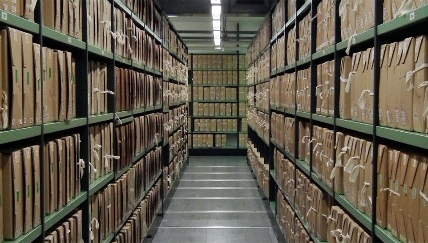 Każdego roku znikają setki akt (fot. Wiki/The National Archives)