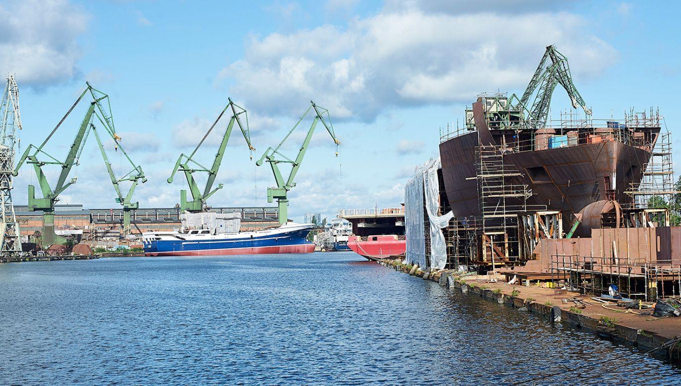 Wiceprezes Agencji Rozwoju Przemysłu nie zdradza, za jaką kwotę agencja odkupiła stocznię (fot. arch. PAP/Dominik Kulaszewicz)
