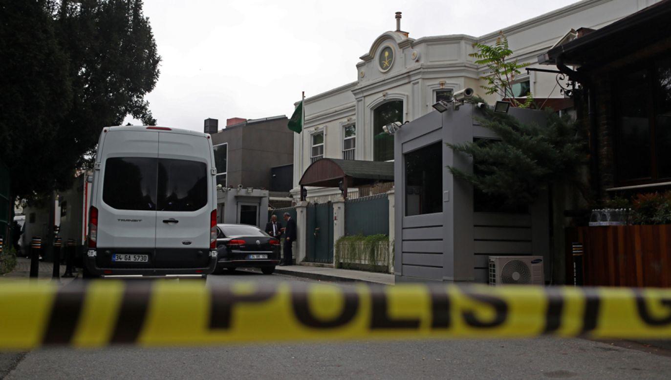 Dżamal Chaszodżdżi nie wyszedł już z konsulatu Arabii Saudyjskiej  (fot. PAP/EPA/SEDAT SUNA)