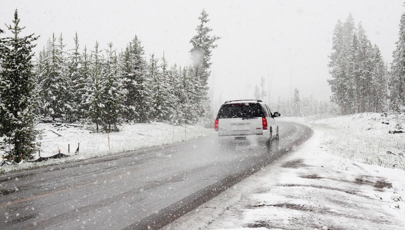 Śnieg lub śnieg z deszczem występuje na Podlasiu, Lubelszczyźnie i w Małopolsce (pexels.com/Chris Peeters)