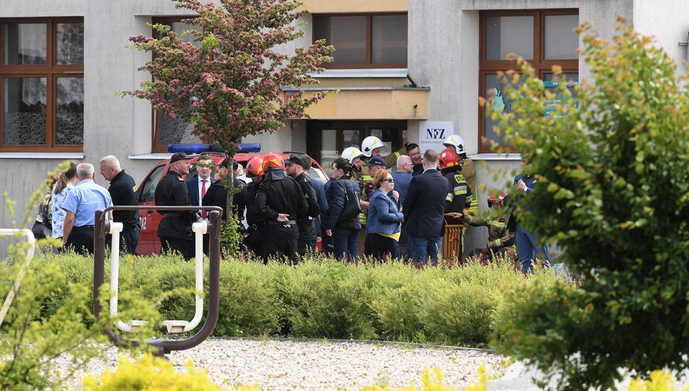 Napastnik został obezwładniony przez pracownika szkoły (fot. PAP/Tytus Żmijewski)