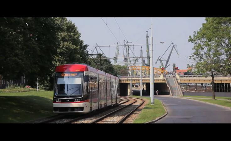 Umowa podpisana. Kiedy nowoczesne tramwaje wyjadą na tory?