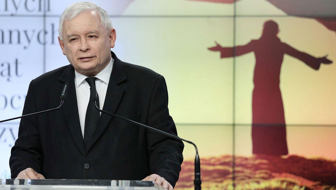 Oświadczenie prezesa PiS (fot.PAP/Tomasz Gzell)
