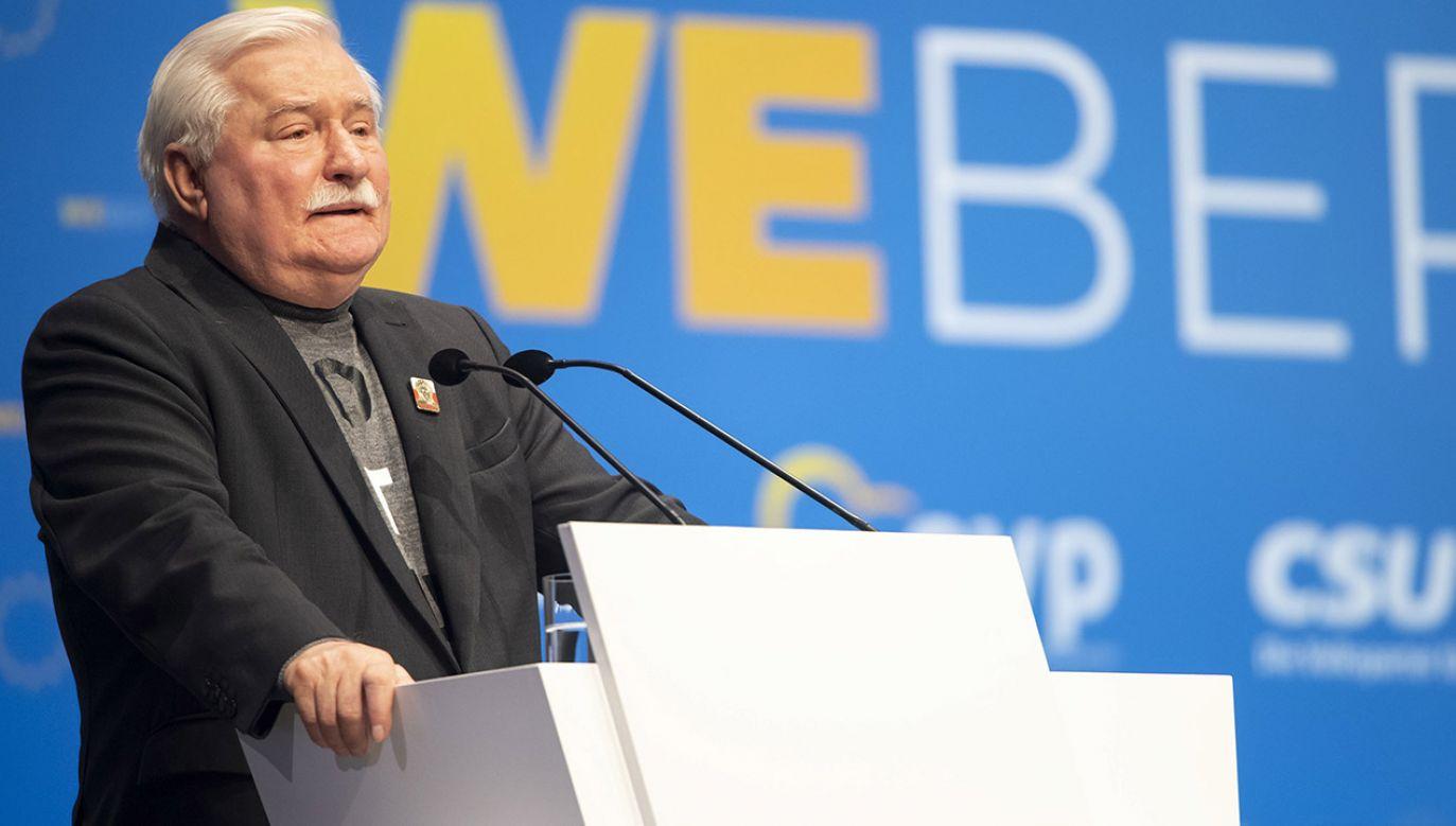 Wałęsa był jednym z zagranicznych gości wydarzenia zorganizowanego w Międzynarodowym Centrum Kongresowym w stolicy Bawarii, z której pochodzi Weber (fot. PAP/EPA/LUKAS BARTH-TUTTAS)