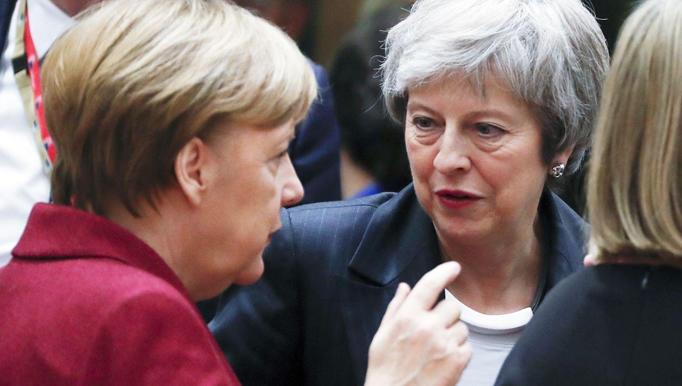 """Centrowy dziennik """"The Times"""" zaznaczył, że May """"utknęła w politycznej sytuacji bez oczywistego wyjścia"""" (fot. PAP/EPA/OLIVIER HOSLET)"""