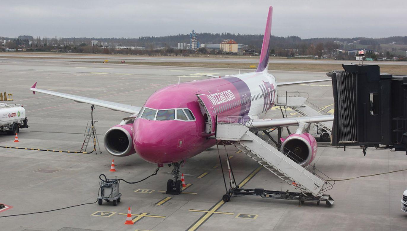Kapitan zawrócił samolot z pasa startowego na drogę kołowania (fot. Wiki/Andrzej Otrębski)