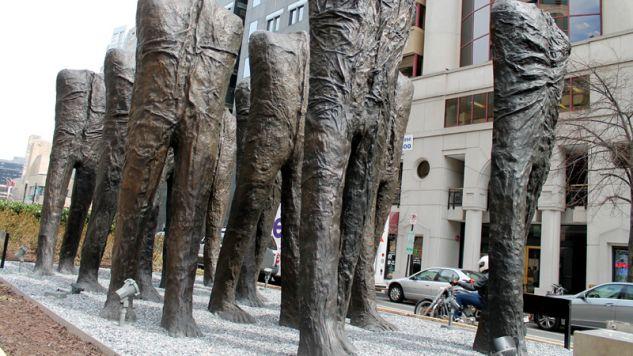 Rzeźby Magdaleny Abakanowicz w Nowym Jorku (fot. Flickr/Dun.can)
