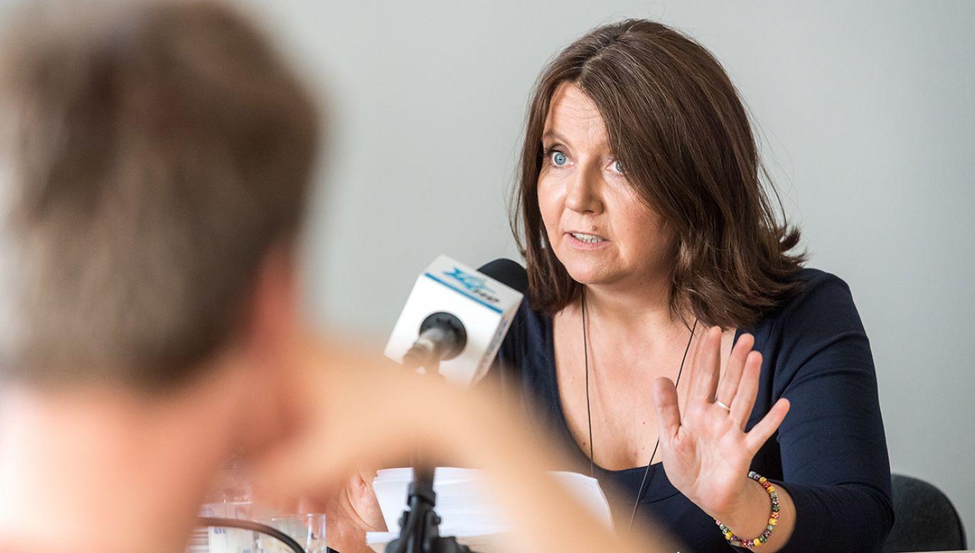 Posłanka Joanna Lichocka podczas spotkania z mieszkańcami Więcborka (fot. PAP/Tytus Żmijewski )