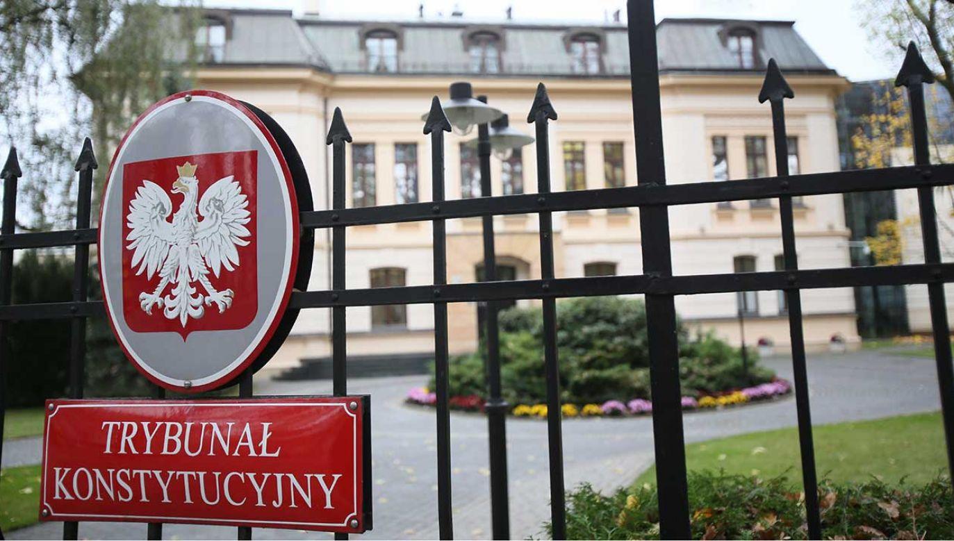 Skarżący kwestionował wprowadzenie górnej granicy zwrotu kosztów dojazdów do sądu (fot. arch.  PAP/Leszek Szymański)