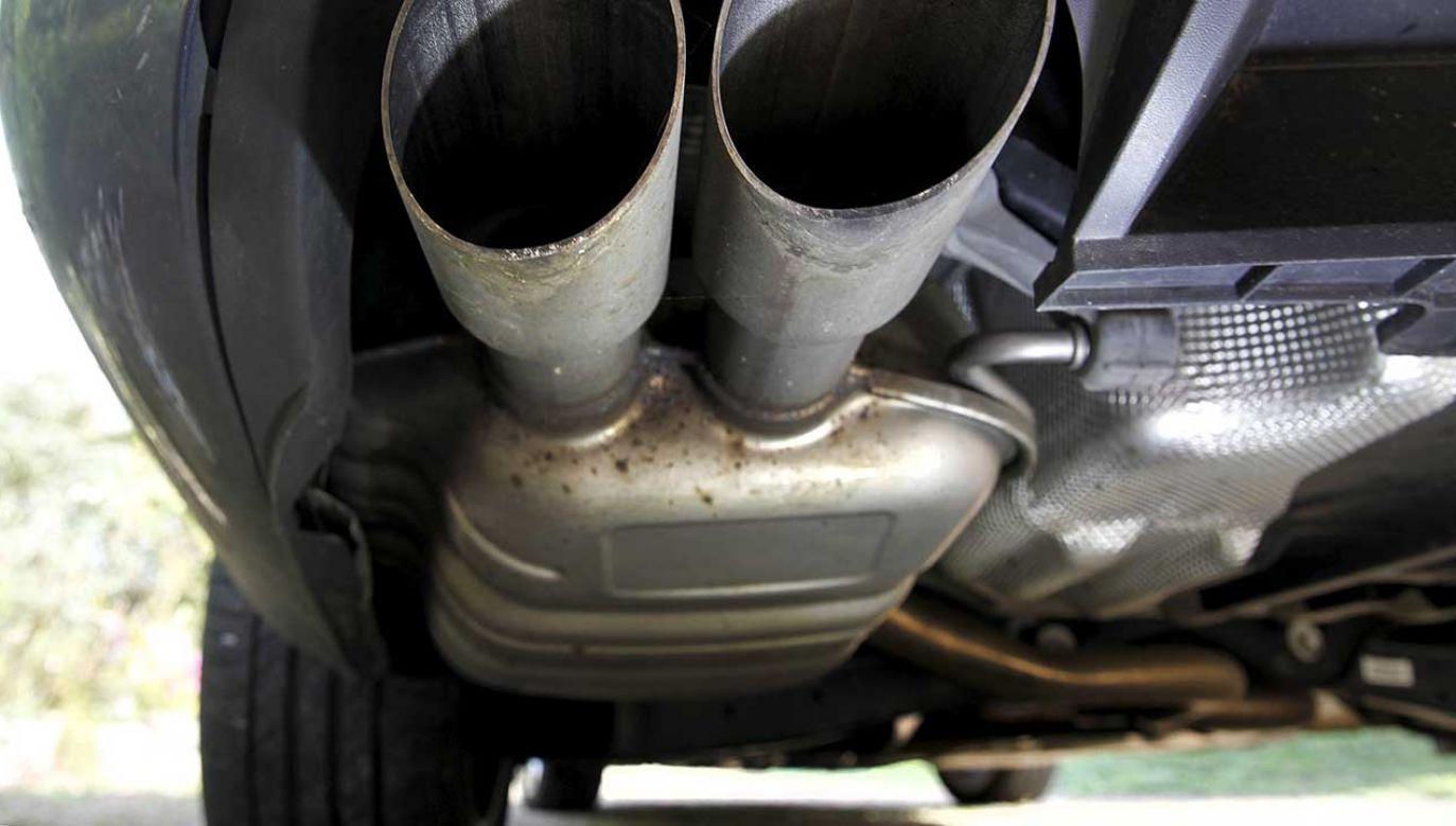 Volkswagen przyznał się we wrześniu 2015 roku do zainstalowania w łącznie około 11 mln samochodów oprogramowania pomagającego fałszować wyniki pomiarów zawartości tlenków azotu w spalinach silników Diesla (fot. REUTERS/Mal Langsdon)