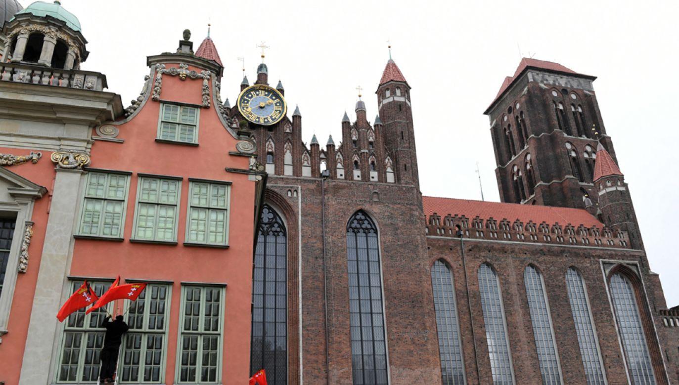 Bazylika konkatedralna Wniebowzięcia Najświętszej Maryi Panny w Gdańsku (fot. PAP/Adam Warżawa)