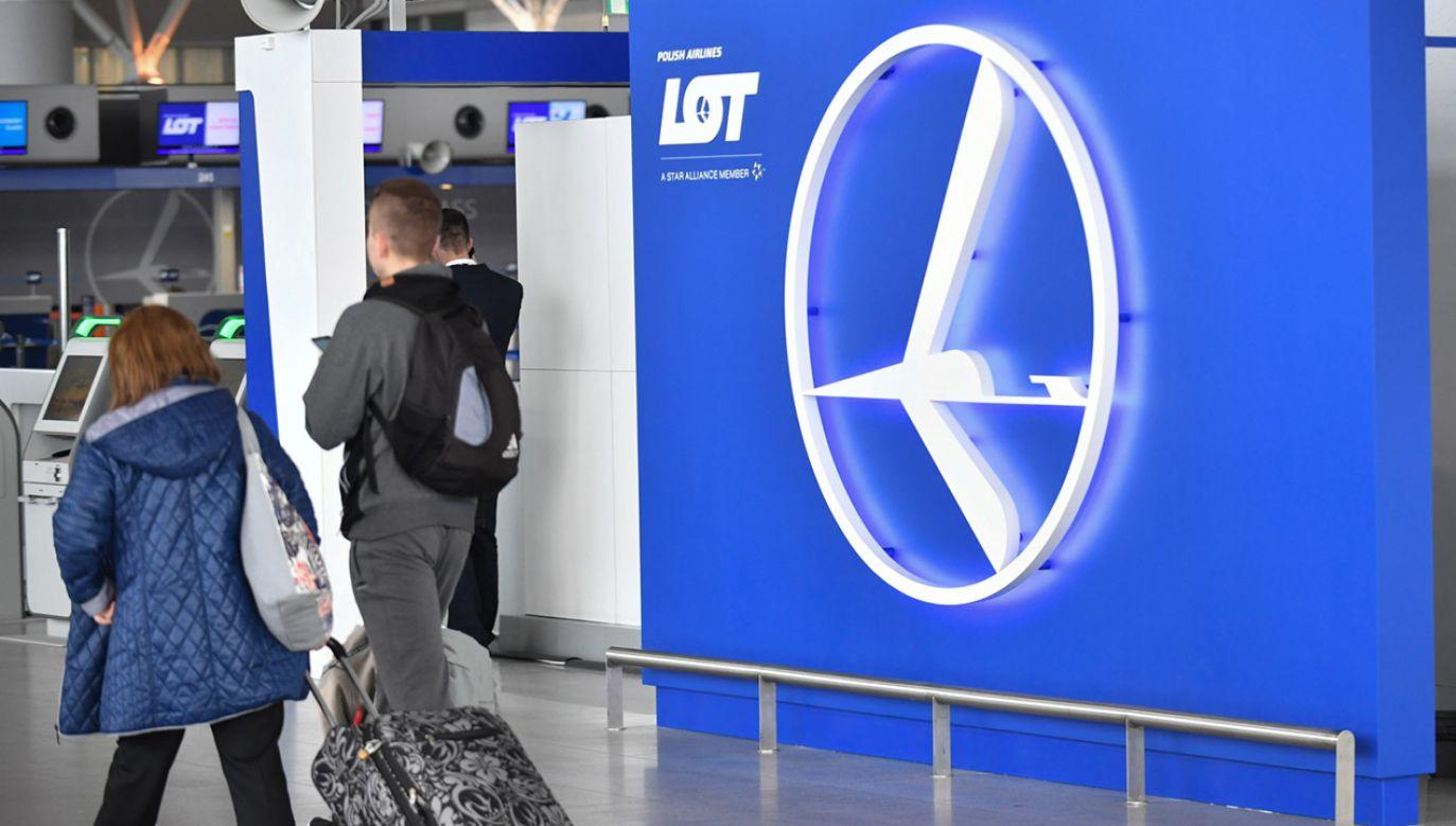 Lotnisko Okęcie w Warszawie. Na 1 maja planowany jest strajk generalny związków zawodowych w LOT (fot.  PAP/Bartłomiej Zborowski)