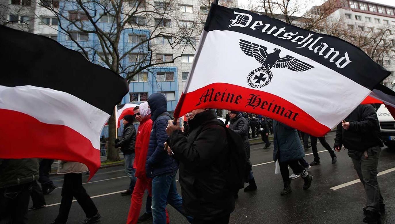 Marsz skrajnie prawicowej organizacji w Lipsku (fot. REUTERS/Fabrizio Bensch)