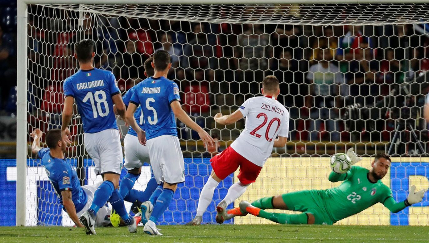 W pierwszym spotkaniu w Lidze Narodów Polacy zremisowali w Bolonii z Włochami 1:1 (fot. REUTERS/Stefano Rellandini)