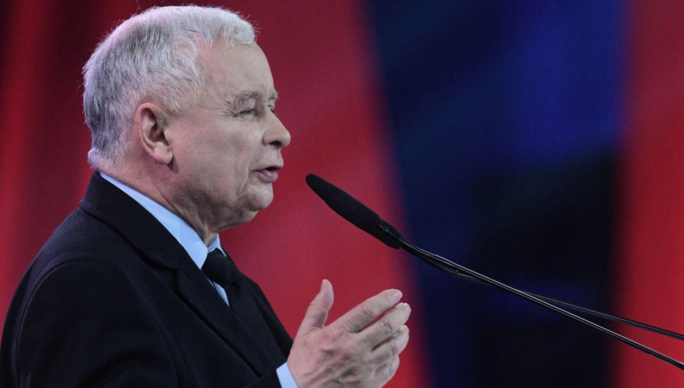 Prezes PiS Jarosław Kaczyński na konwencji w Warszawie (fot. PAP/Radek Pietruszka)