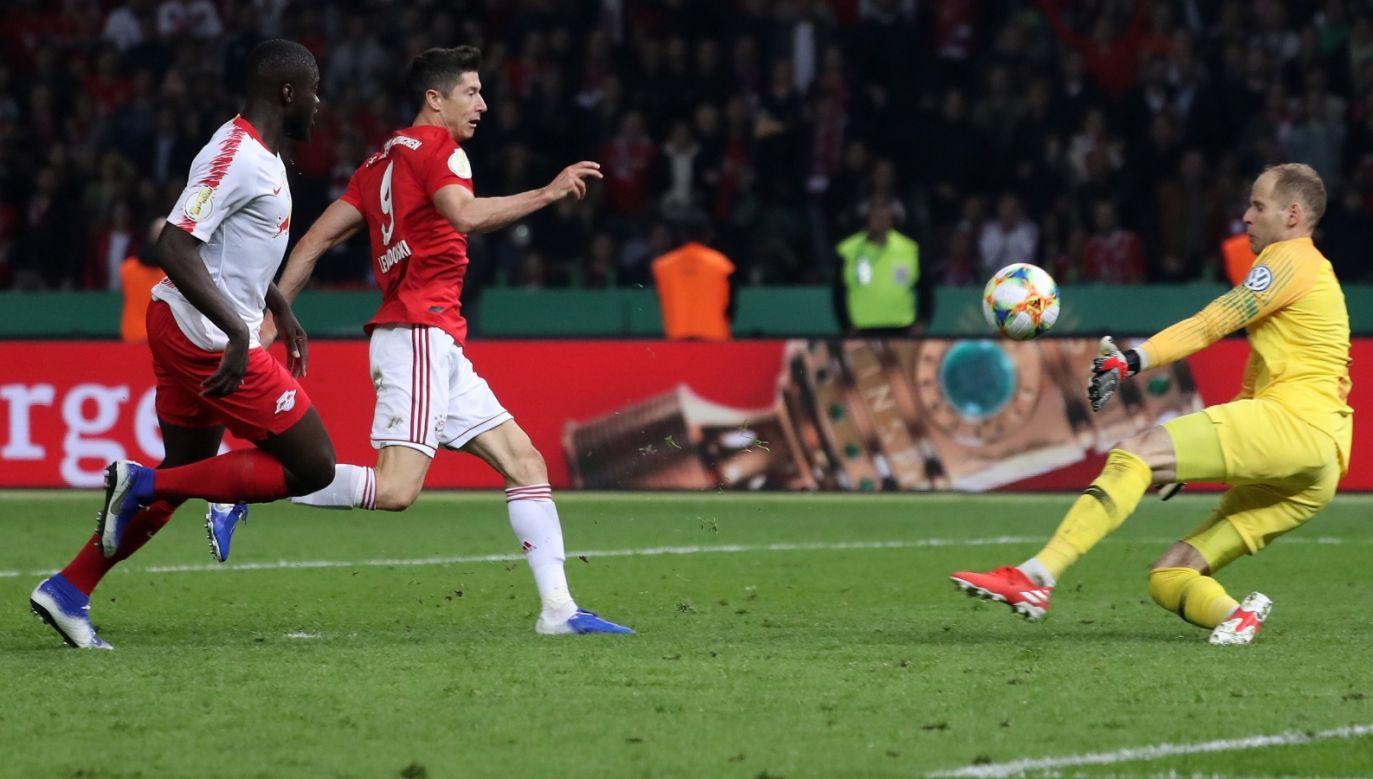 W finale Pucharu Niemiec Robert Lewandowski strzelił dwa gole (fot. PAP/EPA)