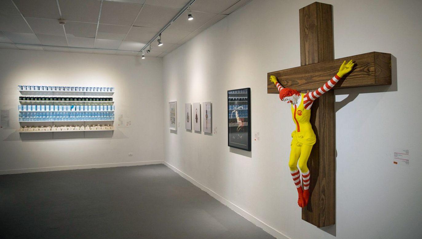 """Autorem instalacji """"McJesus"""" jest fiński artysta Jani Leinon (fot. TT/i24NEWS English)"""