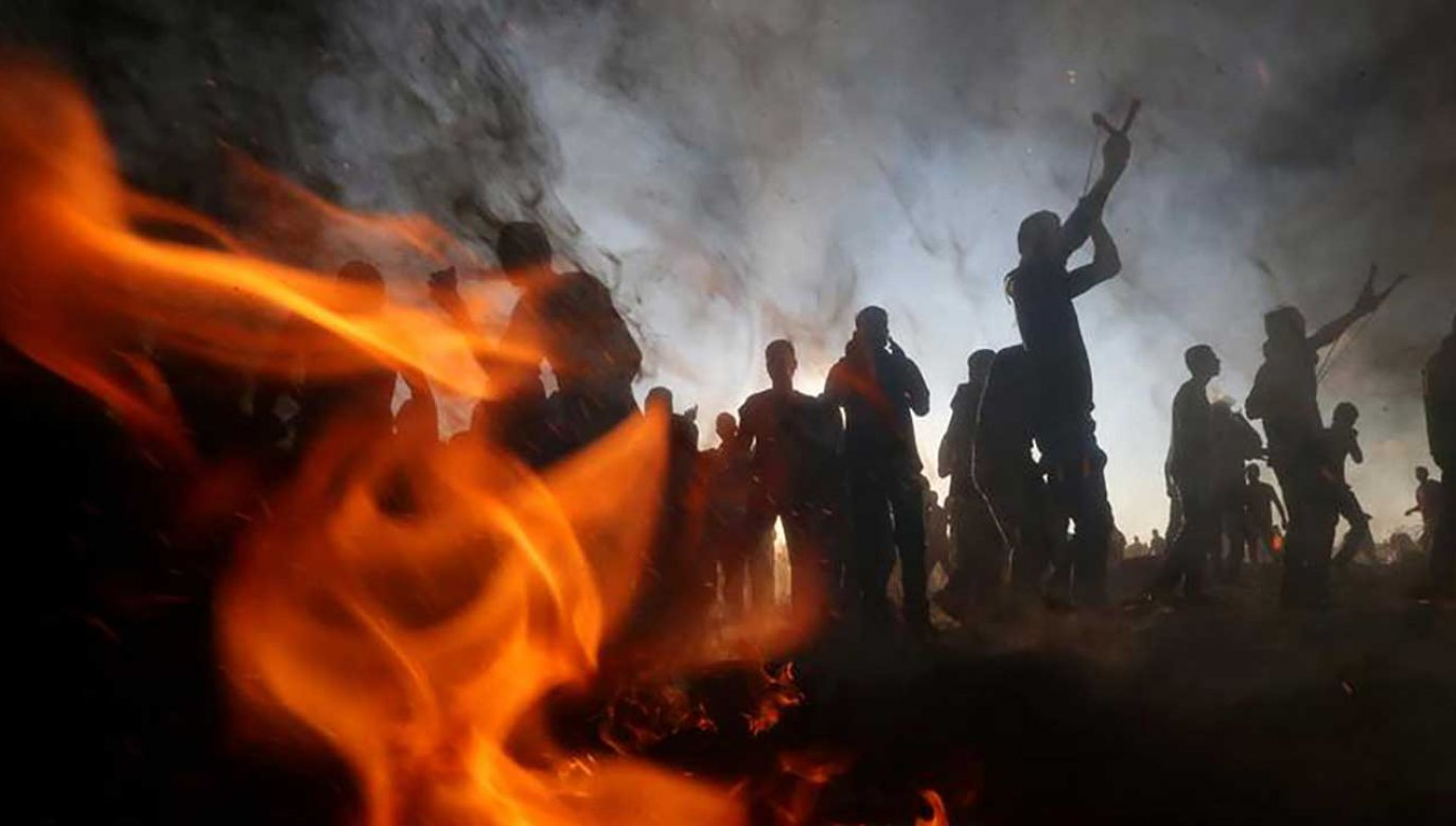 Strona Palestyńska poinformowała o sześciu ofiarach (fot. REUTERS/Ibraheem Abu Mustafa)