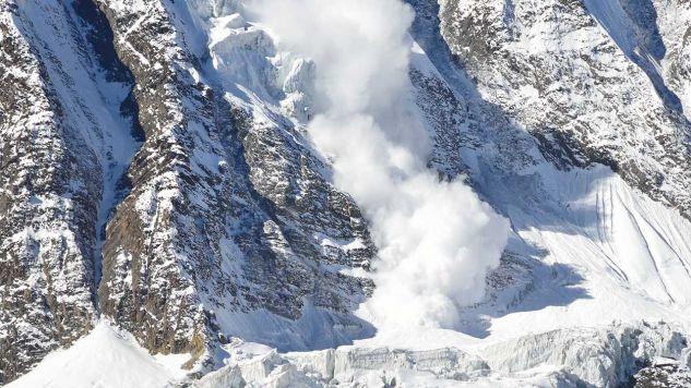Po ostatnich opadach śnieg jest słabo związany z podłożem (fot. Shutterstock/Y7&nE4#)