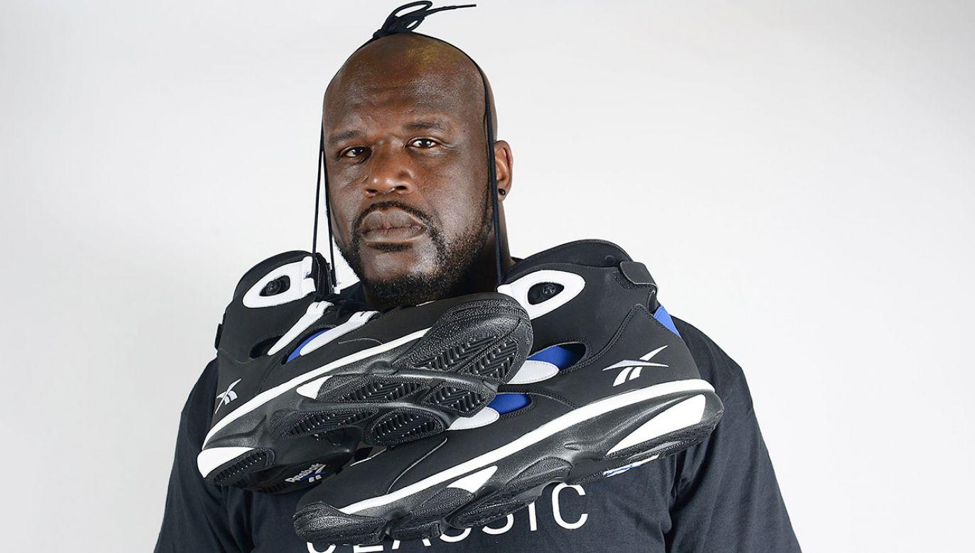 Obecnie były koszykarz nosi jeszcze większy rozmiar 22 w USA (fot. Lisa Lake/Getty Images for Reebok)