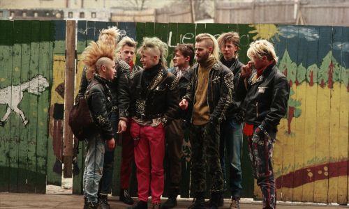 Luty 1989 r. Grupa punków w Tallinie, stolicy Estonii – wówczas jednej z republik Związku Sowieckiego (do 1991 r.). Fot. Peter Turnley/Corbis/VCG via Getty Images