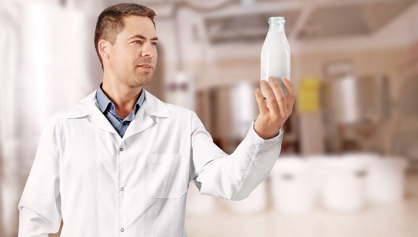 Chińczycy cenią towary wytworzone w Europie, a polskie mleko jest tańsze niż mleko z innych krajów europejskich (fot. Shutterstock/Africa Studio)