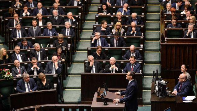 Premier złożył wniosek o wotum zaufania dla rządu (fot. PAP/Jakub Kamiński)