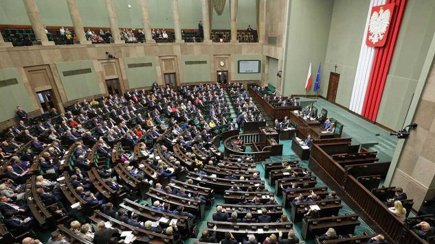 W Sejmie pojawiłoby się 5 ugrupowań (fot. arch. PAP/Paweł Supernak)