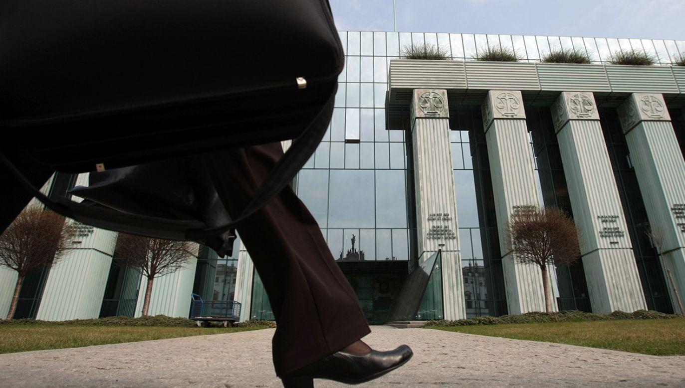 Stanowiska w Izbach nie zostały jeszcze zwolnione przez przeniesionych w stan spoczynku sędziów (fot. arch. PAP Leszek Szymański)