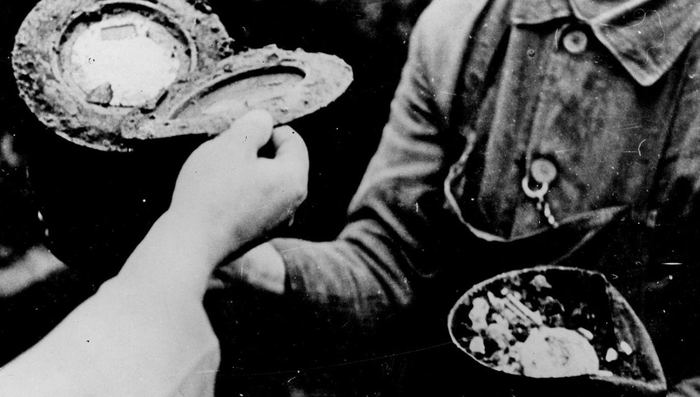 Urna z prochami niepełnosprawnych ofiar nazizmu w placówce w pobliżu dawnej wsi Grafeneck w Badenii-Wirtembergii. W Pałacu Myśliwskim Grafeneck, w którym do 1939 r. Fundacja Samarytan prowadziła dom opieki, między styczniem a grudniem 1940 r. w garażu przekształconym w komorę gazową zostało zamordowanych ponad 10 tys. osób (fot. ullstein bild via Getty Images)