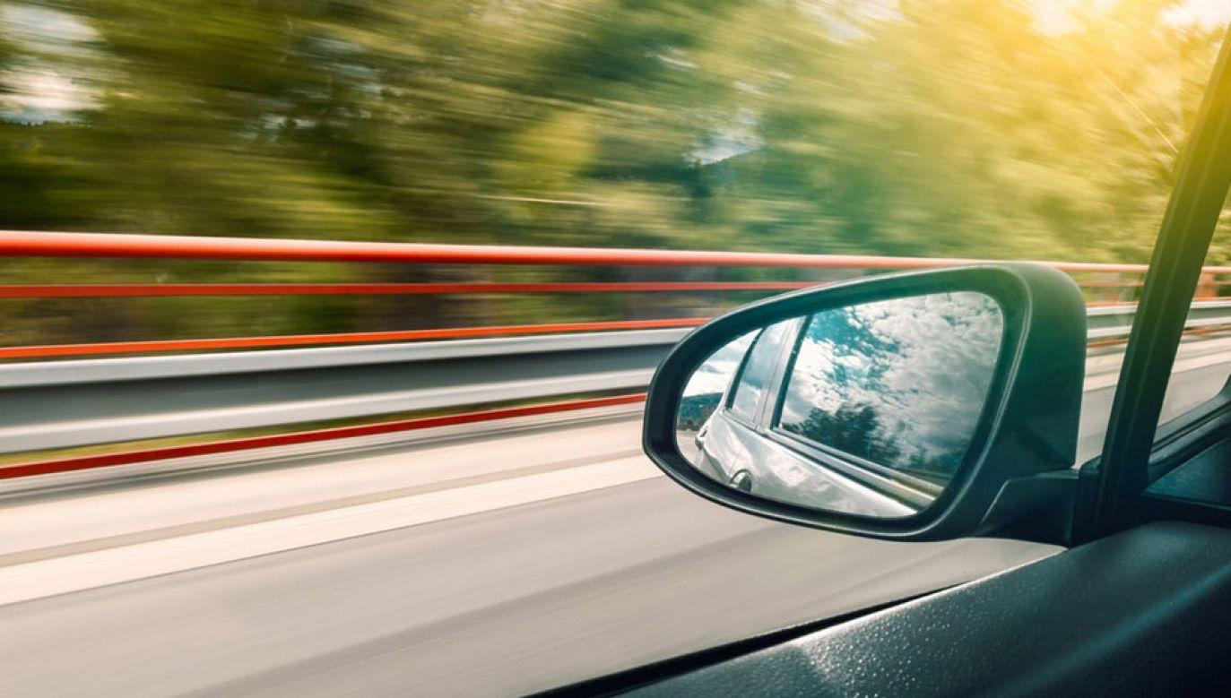 Przybywa kierowców prowadzących pod wpływem narkotyków (fot. Pexels)