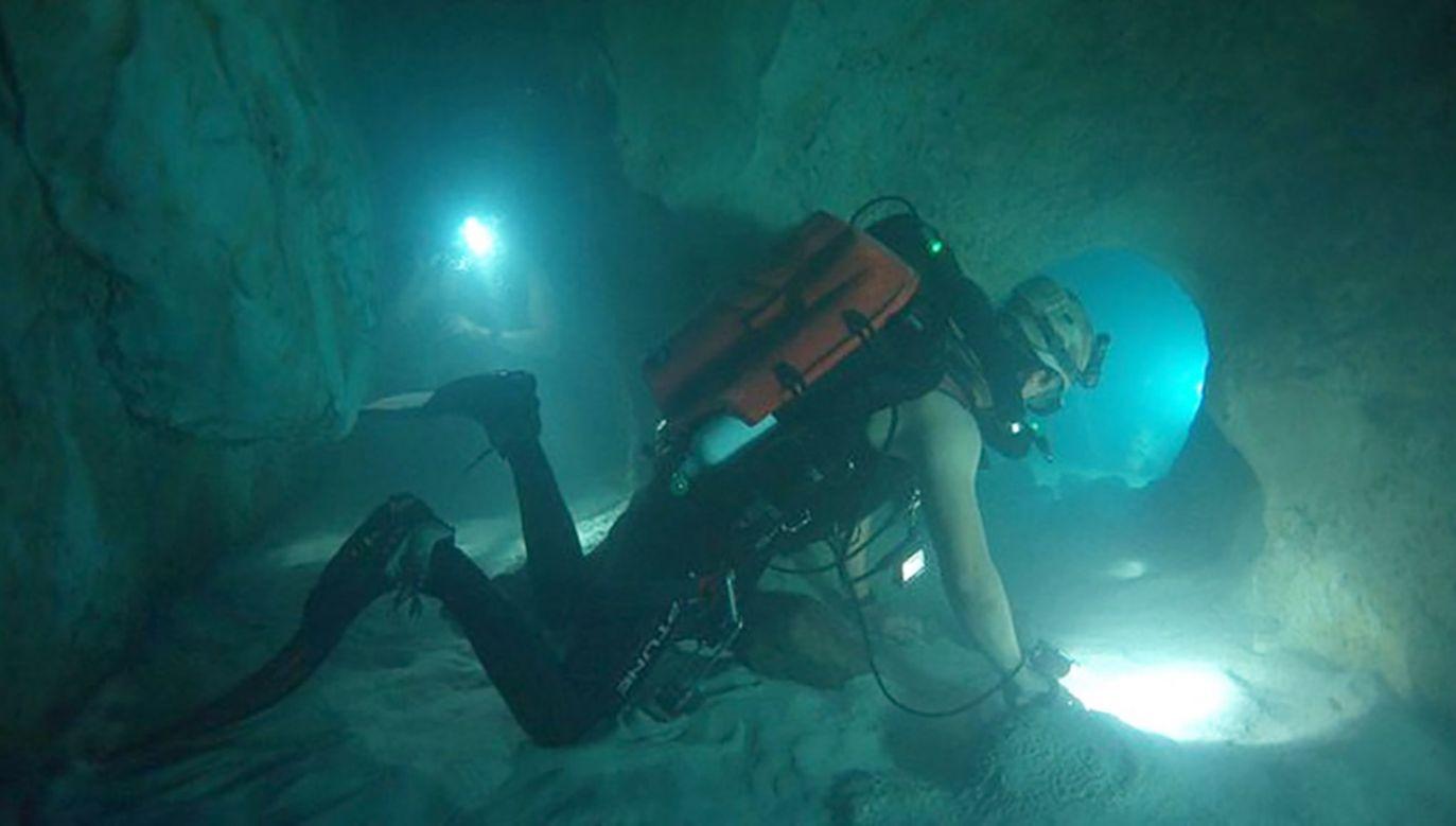 """Film """"Sanctum"""" opowiada historię 15 nurków, uwięzionych w podwodnej jaskini u wybrzeży Australii (fot. Materiały prasowe)"""
