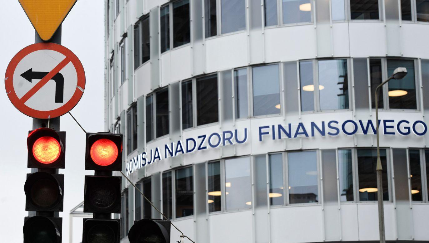 W poniedziałek ma odbyć się kontrola wewnętrzna w biurach KNF (fot. PAP/Radek Pietruszka)