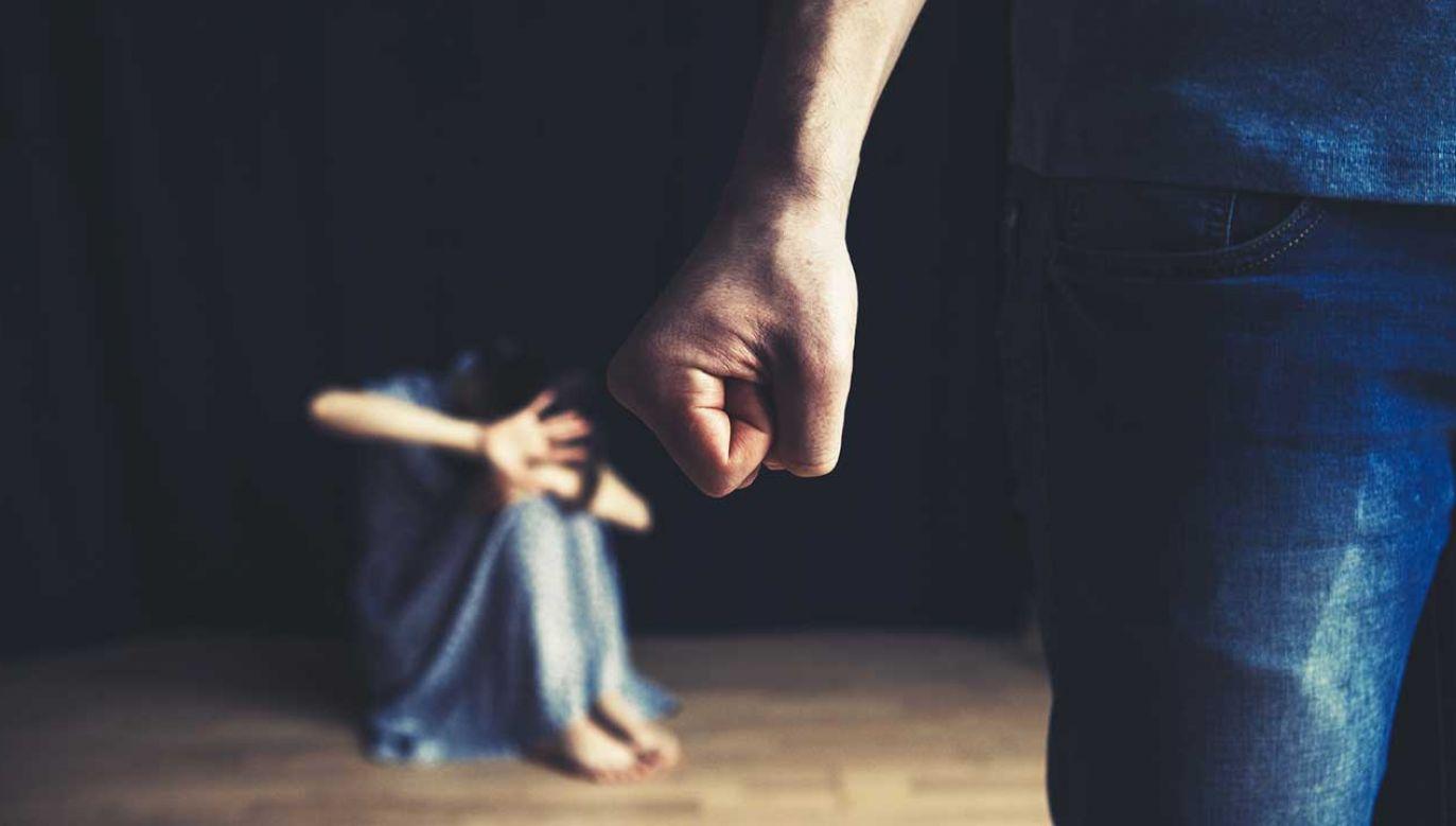 Ojciec mówił, iż nie wiedział, że nie można dzieci karcić fizycznie (fot. Shutterstock/A. and I. Kruk)