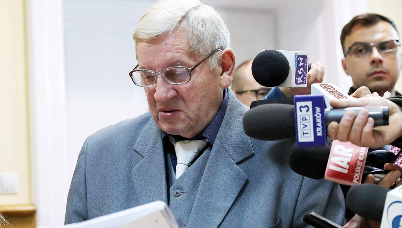 Syn Józefa Kurasia Zbigniew na sali rozpraw (fot. arch.PAP/Grzegorz Momot)