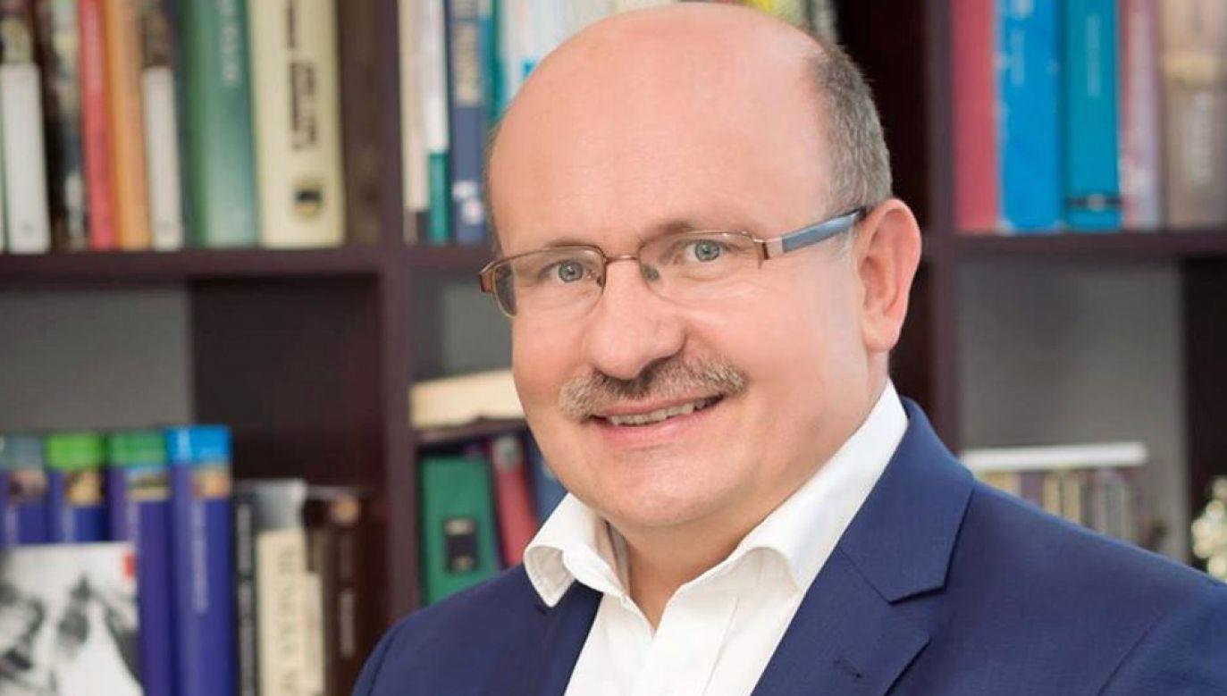 Janusz Pawlak nie chciał rozmawiać z reporterami TVP (fot. FB/Janusz Pawlak)