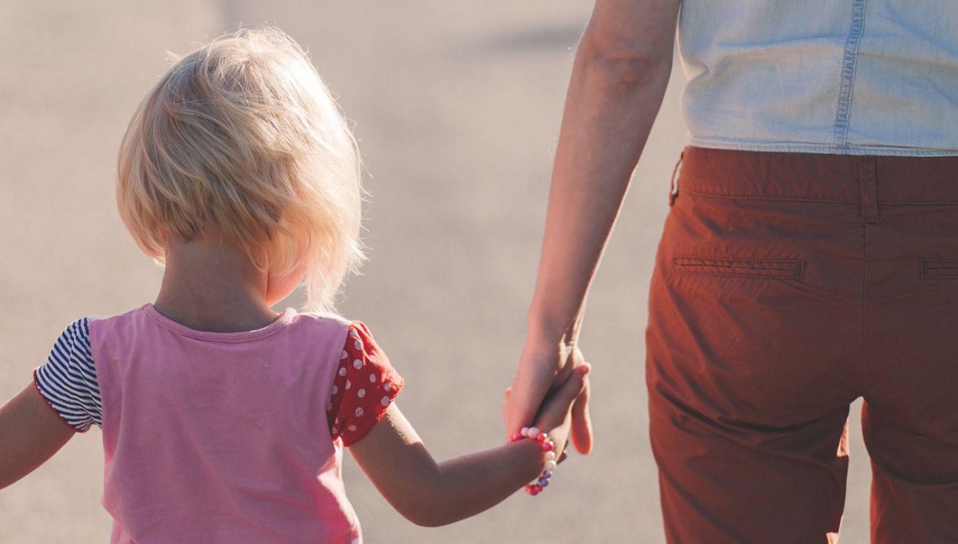 Muzułmanin uważa, że jego córka jest w Polsce demoralizowana (fot. Pixabay/Pexels)