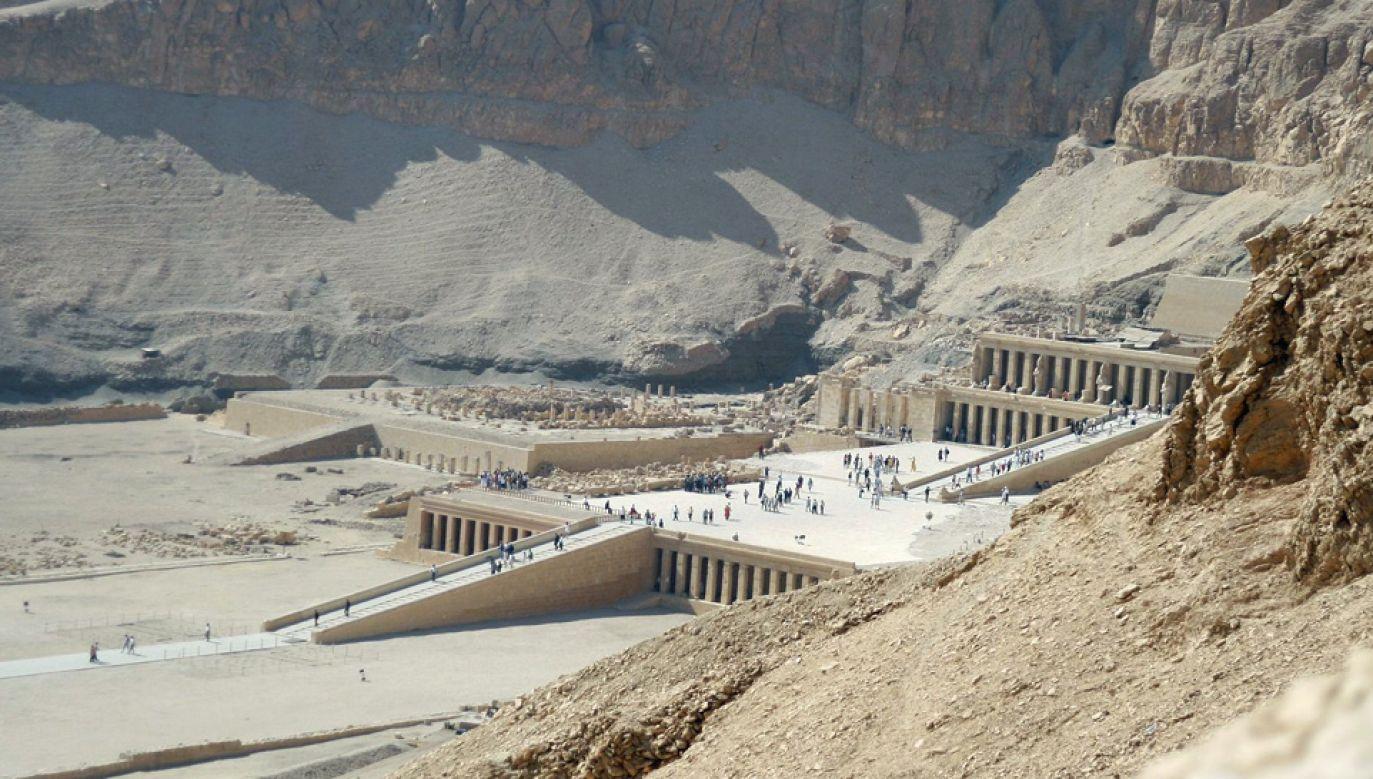 Deir el-Bahari to wyjątkowe stanowisko archeologiczne (fot. Steve F-E-Cameron)